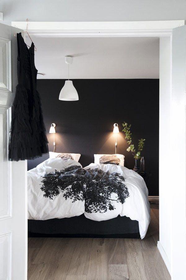 slaapkamers met donkere muur