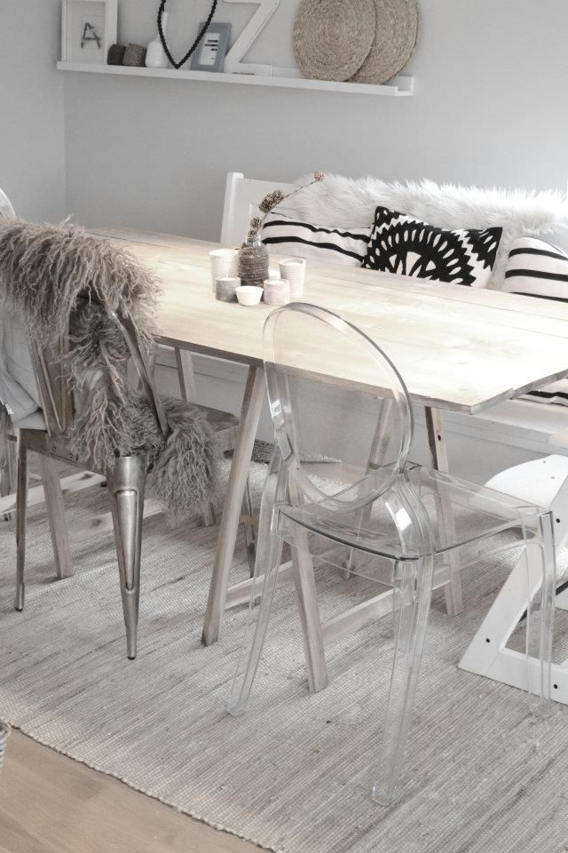 Musthave transparante louis ghost stoelen alles om van je huis je thuis te maken - Transparante stoel kartell ...
